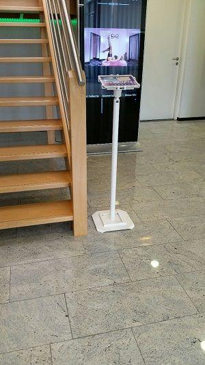 ipad kiosk freestanding footplate